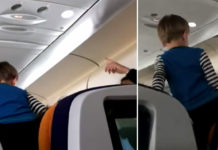 jongetje in vliegtuig