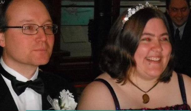 vrouw tijdens bruiloft