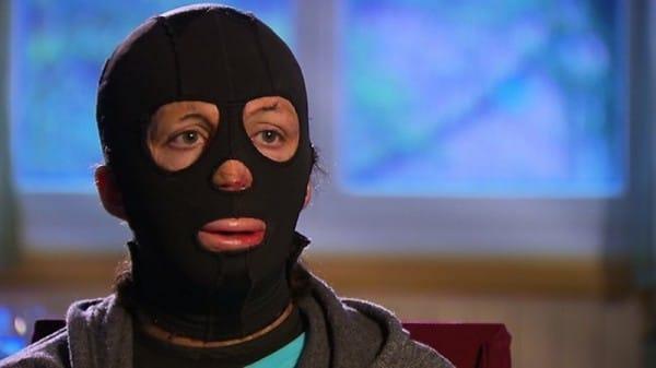 vrouw met masker