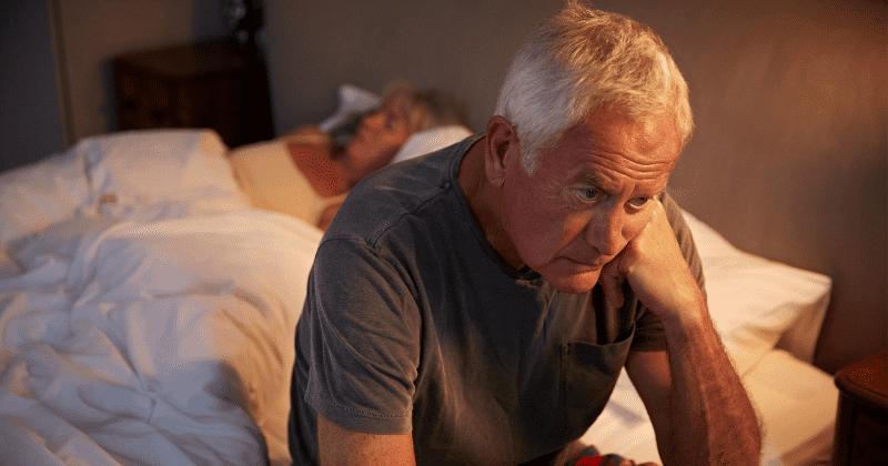 Oudere ouders maken zich zorgen en verliezen slaap om hun volwassen kinderen, onthult onderzoek