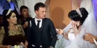 Bruidegom slaat de bruid in het gezicht op de trouwdag omdat zij hem geen cake voedt
