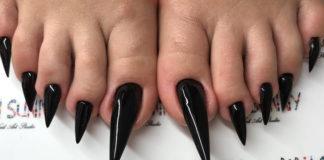 Sommige vrouwen hebben tegenwoordig zulke nagels en vind het er mooi uitzien