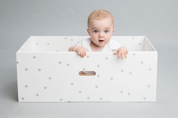 baby in doos