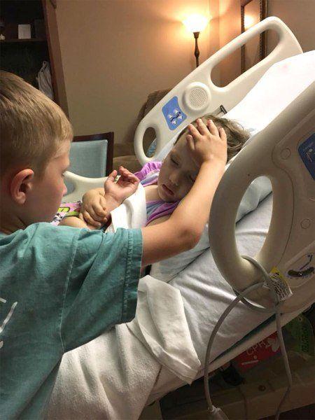broertje troost zieke zusje