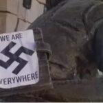"""Het enige Anne Frank-monument in de Verenigde Staten is vernield met stickers van hakenkruisen met de woorden: """"We zijn overal""""."""