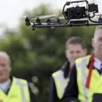 Belgische politie gaat met drones afhaalbestellingen en vuurwerk volgen op oudjaar: gaat dat te ver?
