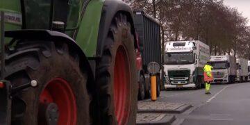 Albert Heijn heeft moeite met boodschappen bezorgen door blokkades boeren