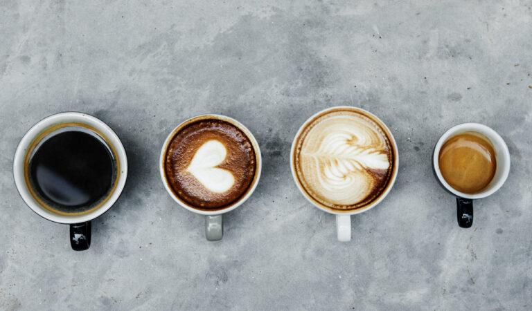 Hoge koffieconsumptie gelinkt aan kleinere herseninhoud – volgens studie
