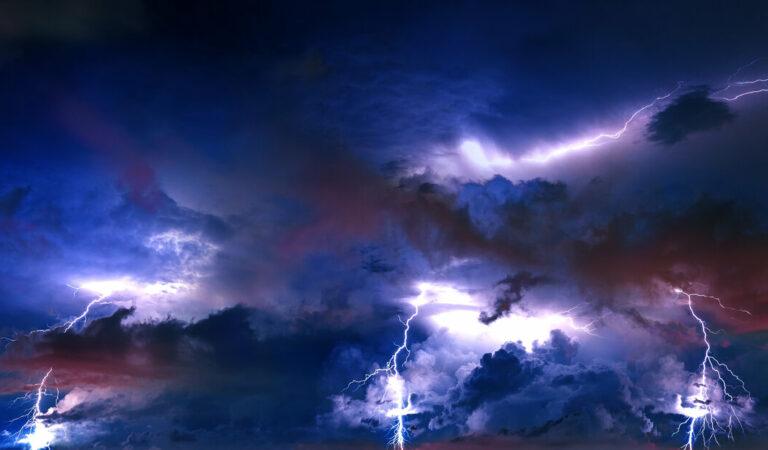Onstuimig weer op komst: code geel en kans op zware onweersbuien